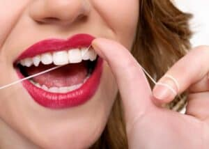 7 tricks to Lighten the tone of your teeth